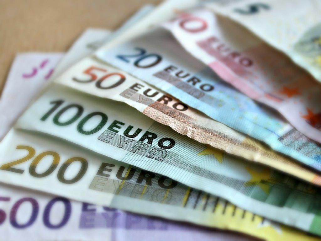 Geldnoten Foerderung Pixabay